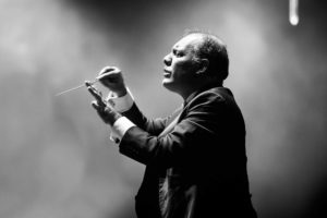 Conductor Stefano Miceli performing in the Roberto Alagna Australian Tour